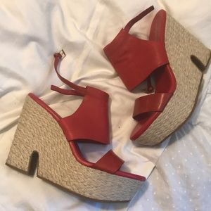 -COLE HAAN- Red leather straw wedge